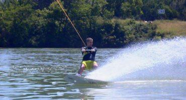 Les 5 nouveaux sports à pratiquer dans l'eau cet été 2013 !
