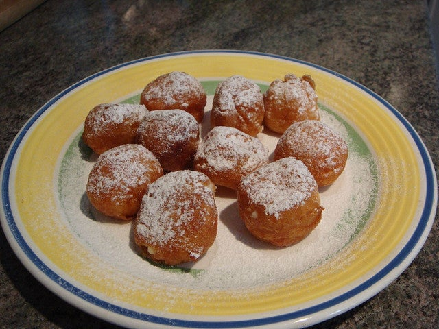 Buñuelos espagnols