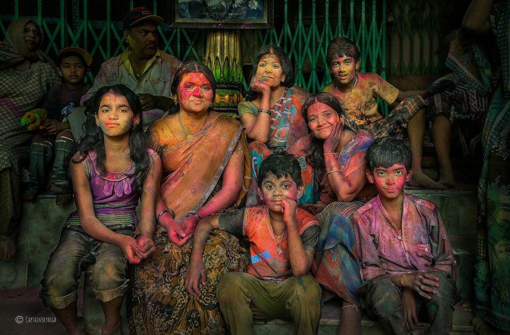 Familles pendant Holi