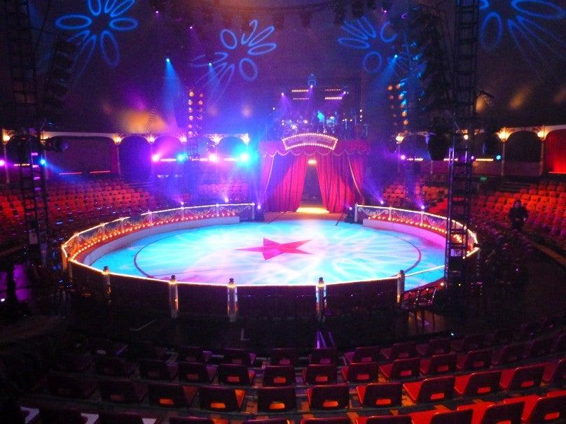 Source: Cirque De Noël