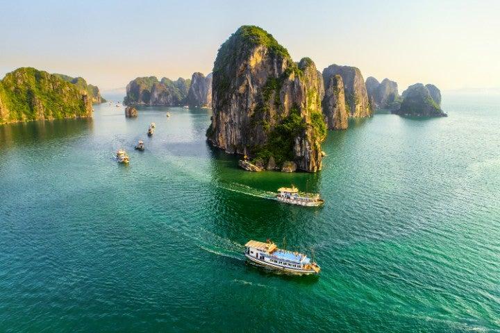 baie halong vietnam vue aerienne - blog go voyages