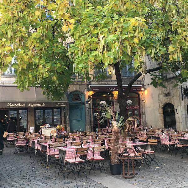 restaurant-terrasse-blog go voyages