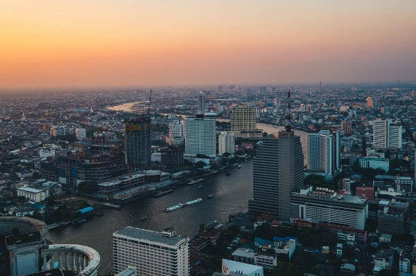 vue bangkok coucher de soleil - blgo go voyages