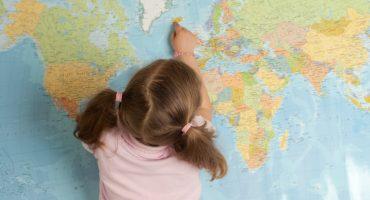 Enfant voyageant seul : les règles des compagnies aériennes