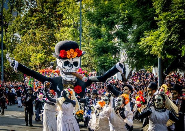 defile deguisement morts mexique - blog go voyages
