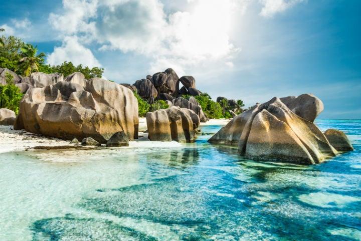 plage île paradisiaque des seychelles - blog go voyages
