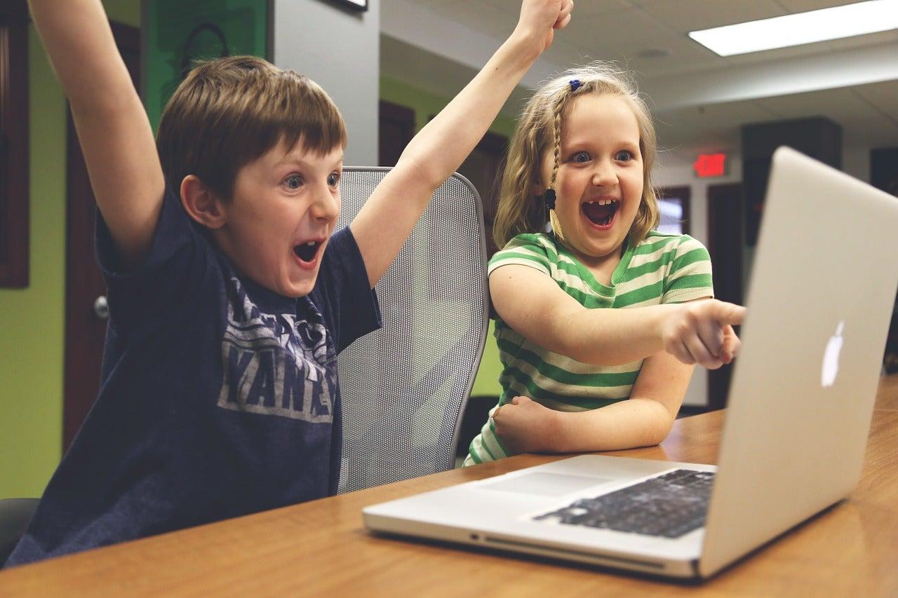 enfants contents - blog GO Voyages