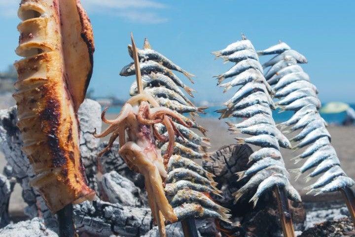 brochette sardines calamar plage del dedo | barbecue málaga espagne