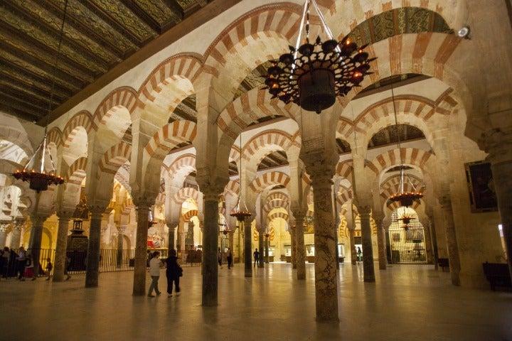 intérieur mezquita cordoue andalousie | architecture mosquée espagne
