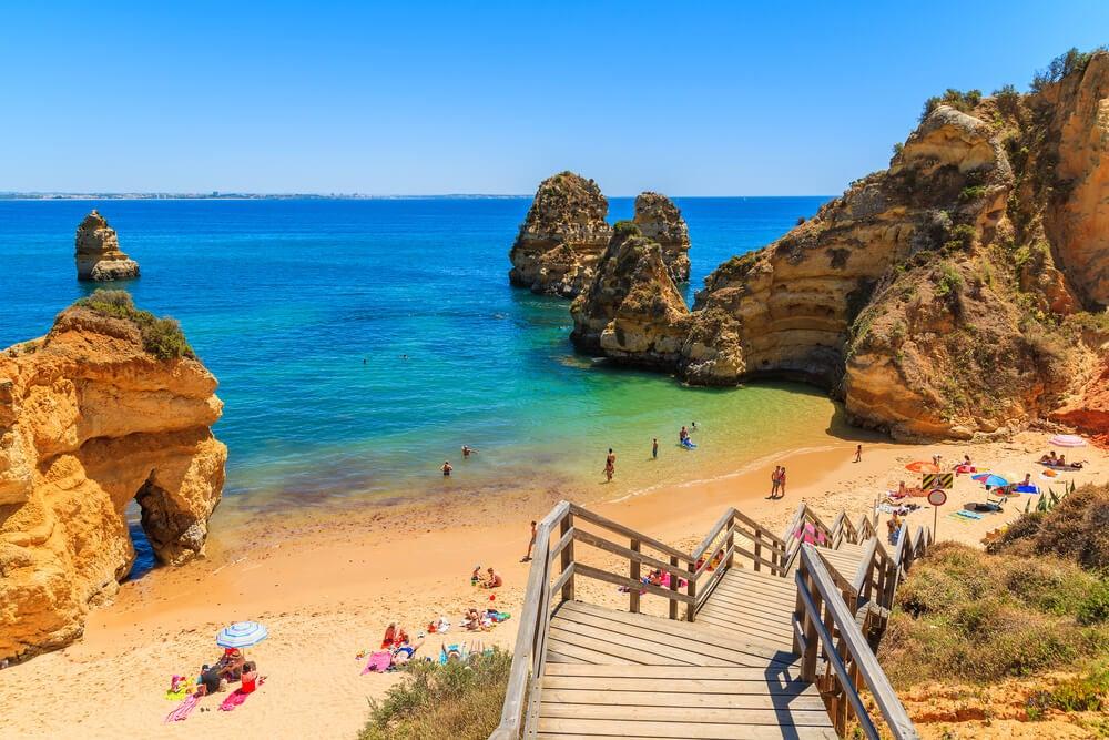 Plage-paradisiaque-Algarve